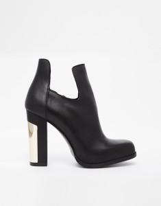http://www.asos.de/Miista-Ciara-Ankle-Boots-mit-Absatz-und-Zierausschnitt/14xngx/?iid=4202461&cid=6455&Rf-200=10,4&sh=0&pge=0&pgesize=204&sort=-1&clr=Black&mporgp=L01paXN0YS9NaWlzdGEtQ2lhcmEtQ3V0LU91dC1IZWVsZWQtQW5rbGUtQm9vdHMvUHJvZC8.