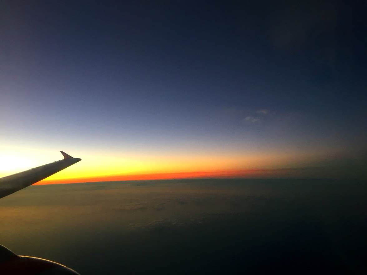 5 good reasons to sit near the window on an airplane