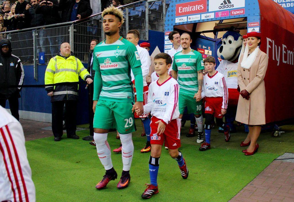 Werder Spieler ein Einlauf ins Stadion Foto Credit: Dimitri Ismer