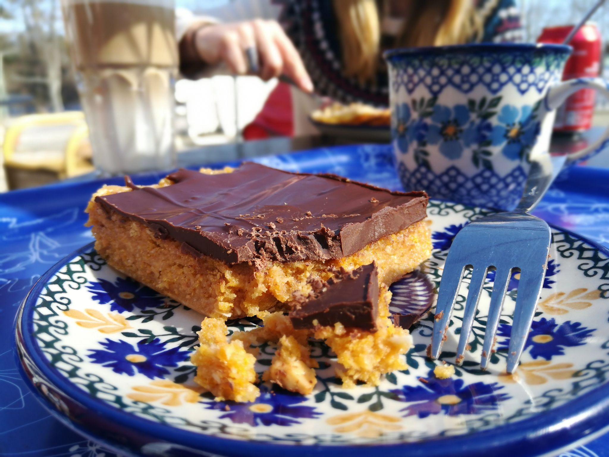 Kaffee und Kuchen im ehemaligen Lanthandel