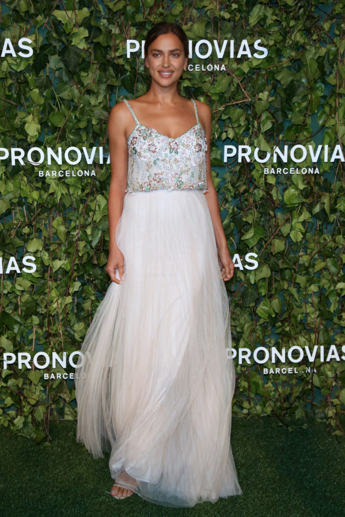 irina-shayk_photocall-pronovias-fashion-show