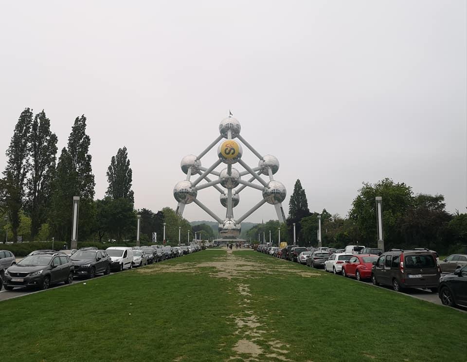 das Atomium am Stadtrand von Brüssel